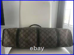 Authentic Gucci signature Canvas bag, big Jackie, can fit laptop